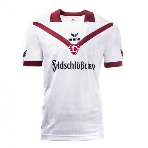 ERIMA présente le nouveau maillot du SG Dynamo Dresde à l'occasion du 50ème anniversaire de la création de la Coupe d'Europe